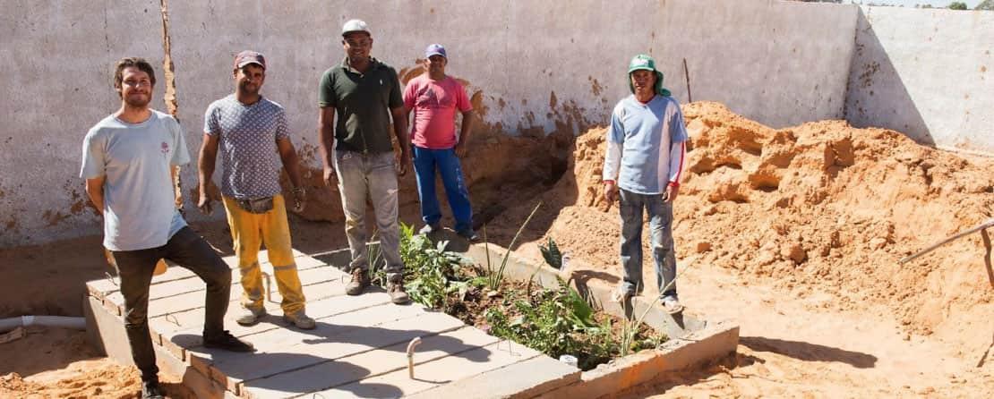 Sistema de tratamento de esgoto quase finalizado na escola da comunidade de Canudos. Julho 2019